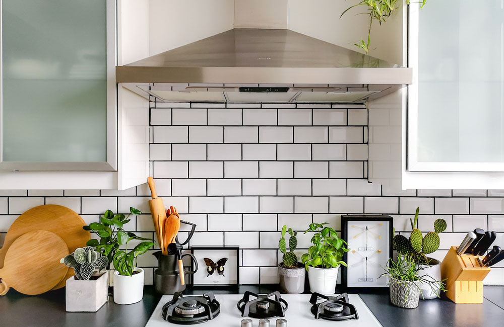 subway tiles splashback